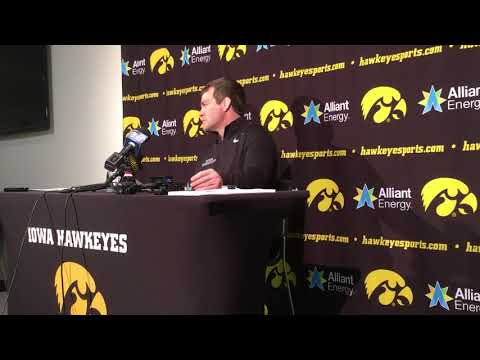 Iowa wrestling coach Tom Brands on Spencer Lee and his driving habits