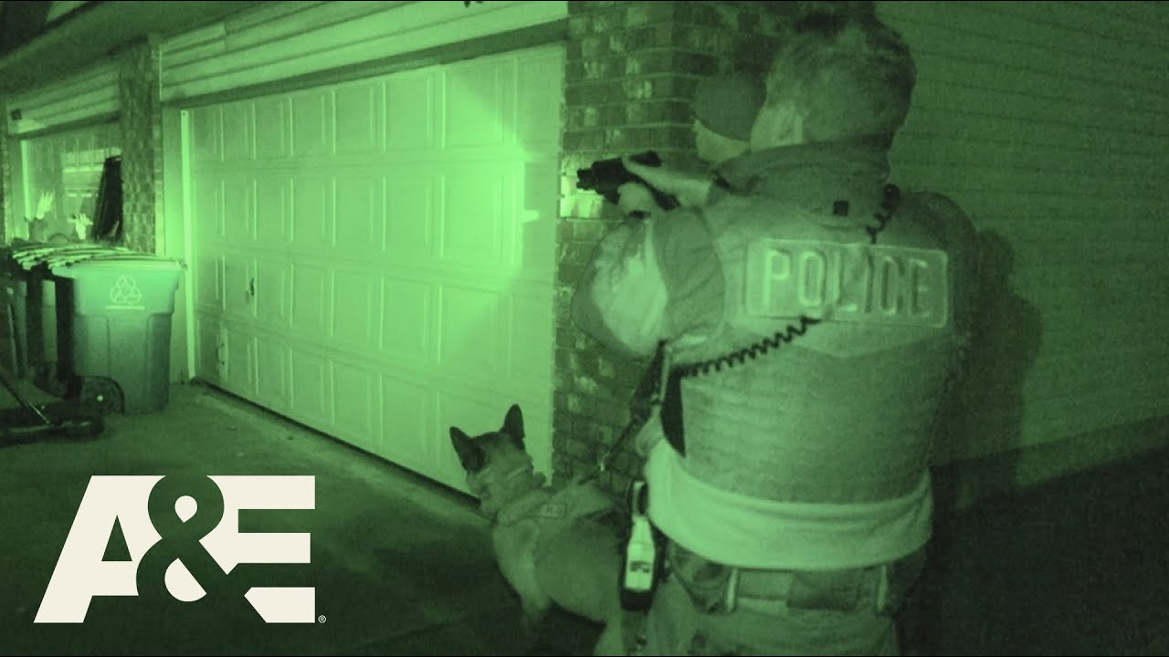 Live PD: Come Out of the Garbage Can! (Season 4) | A&E