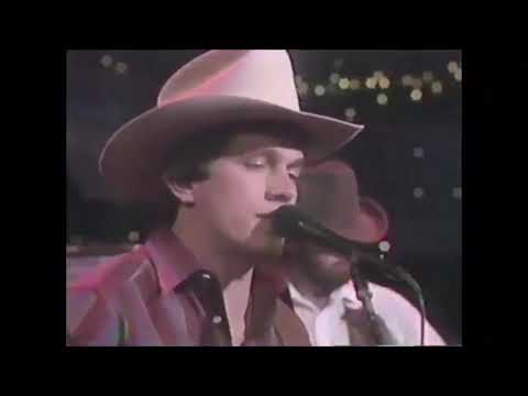 """George Strait - Fool Hearted Memory (Featuring Johnny Gimble) (Live On """"Austin City Limits"""") mp3"""