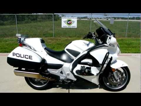 St1300 Honda Test 2009 Honda St1300 Police Bike