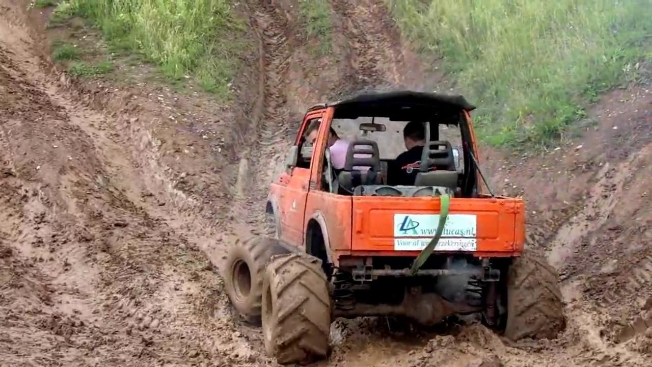 Suzuki Samurai 3.5 V8 in action! - YouTube