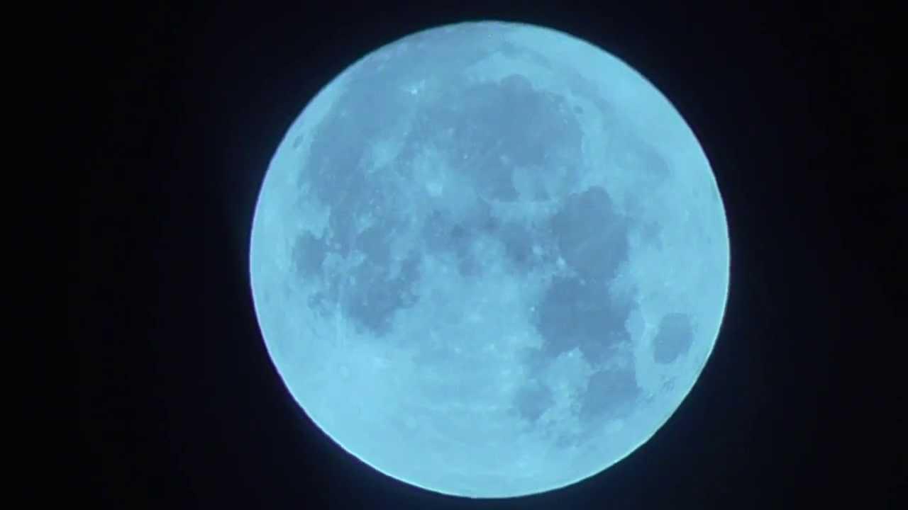 Blue Moon Changes Colour