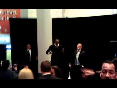 Dwight Howard and Chris Duhon sing Bob Marley