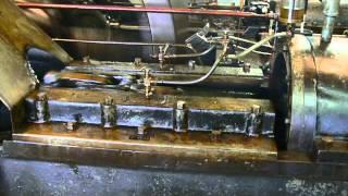 Coolspring Power Museum - Huge 300 Horse-Power Miller 4-cylinder engine