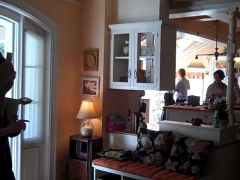 Mommyniri wisteria lane inside home youtube Home interiors portrack lane