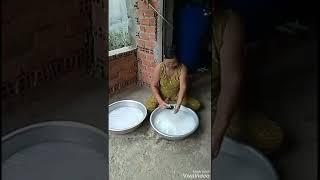 Ở nhà làm mứt dừa hương vị thơm ngon đặc trưng của người dân bến tre