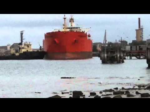 Port Adelaide Shipping (56)_Docking the Eagle Madrid.