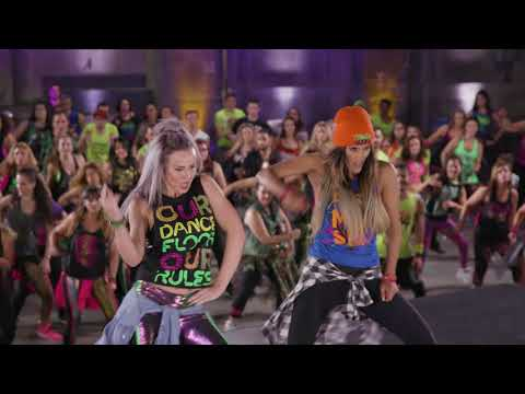 New Choreography To Reggaeton Track 'Duro Y Suave'