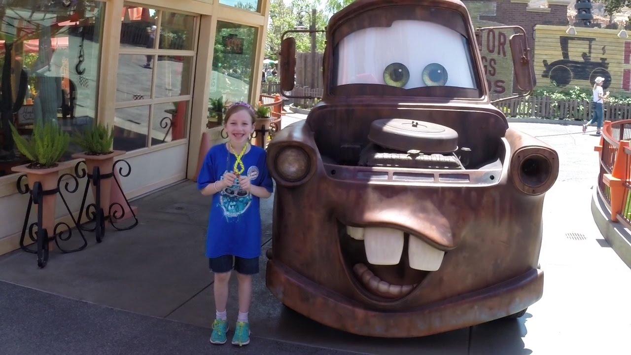 Pixars the real talking tow mater at disneylands cars land meet pixars the real talking tow mater at disneylands cars land meet greet youtube m4hsunfo