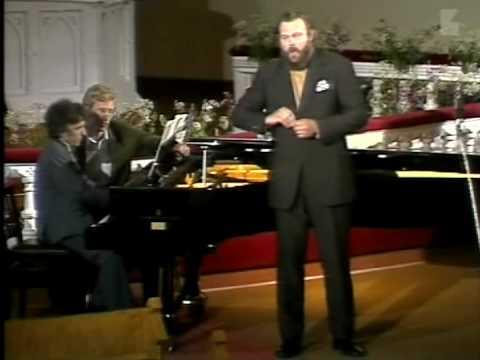 Martti Talvela sings Toivo Kuula