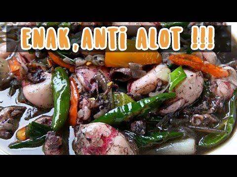 Cara membersihkan cumi sebelum dimasak untuk tomyam kelapa, kwetiau kungpao seafood. Cumi banyak mengandung gizinya....