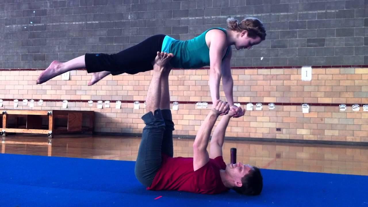 Orville And Natalies Beginners Partner Acrobatics Workshop Flow Oberlin Acro Club