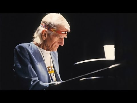 "Gil Evans Orchestra plays Jimi Hendrix, ""Little wing"", live at Umbria Jazz 1987, Perugia"