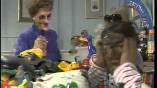 Spitting Image - The Ronnie and Nancy Show (1987)