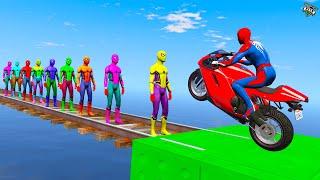 الرجل العنكبوت يعبر فوق سبايدرمان الاصفر ،سبايدرمان الخضر وسبايدرمان الملون -SPIDERMAN COLOR PARKOUR