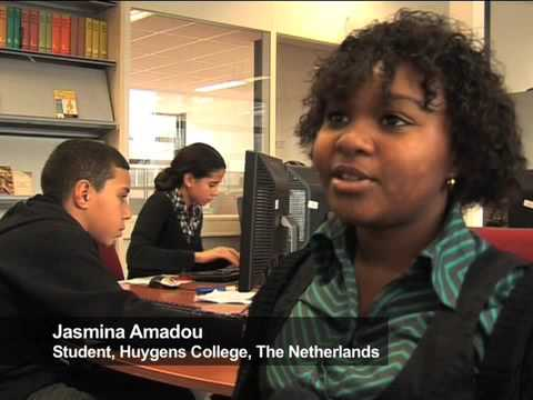 Students from around the world learn together with the Global Teenager project