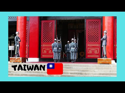 TAIWAN, CHANGE OF GUARD at the CHIANG KAI-SHEK Memorial in TAIPEI