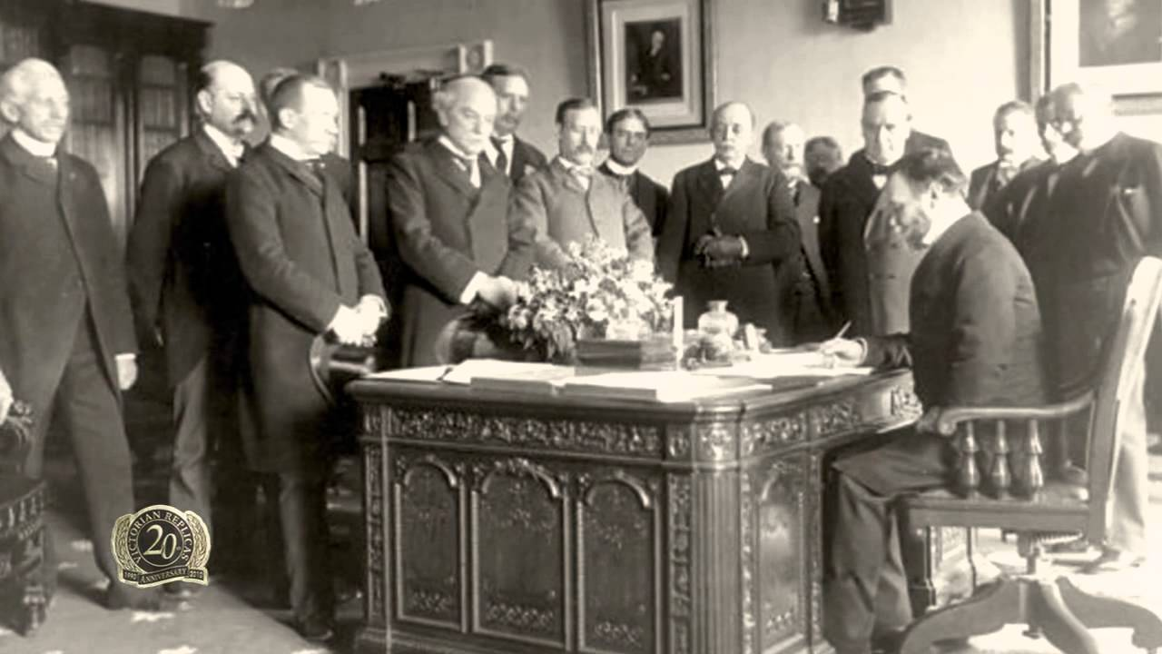 The Story Of Why Resolute Desk Was Given By Queen Victoria To President United States