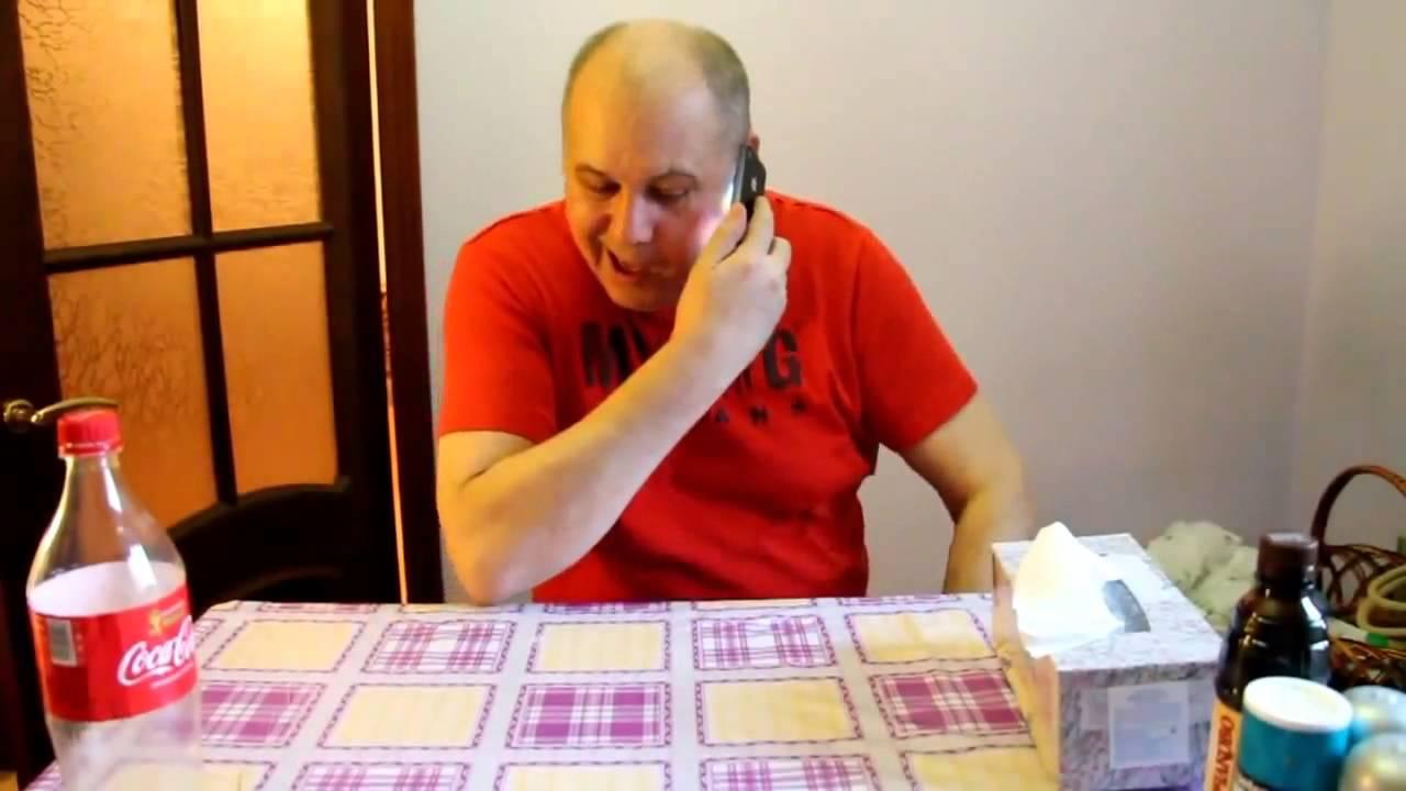 Россиянин разбил молотком iPhone и iPad
