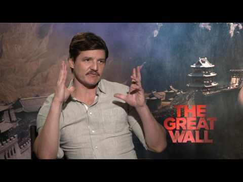 The Great Wall || Pedro Pascal Interview || SocialNews.XYZ