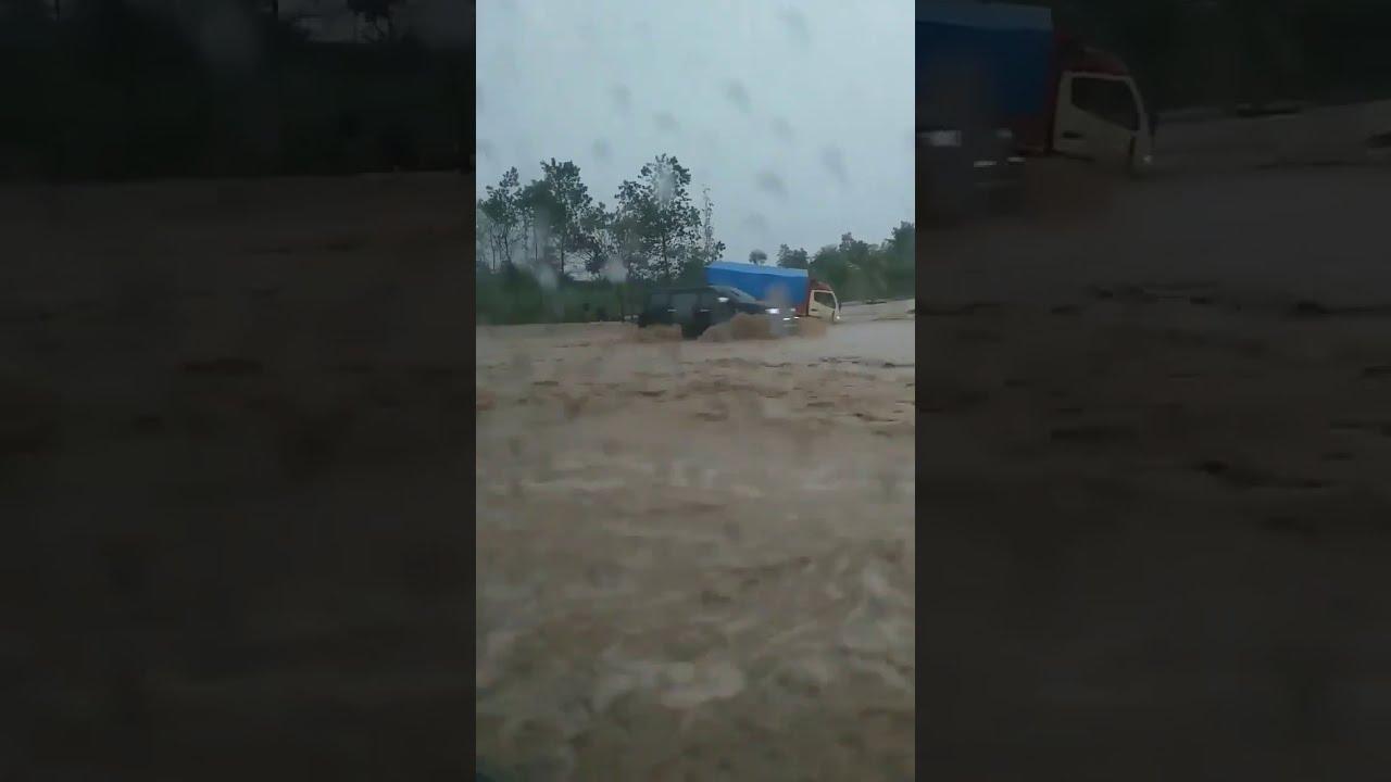 Tol Cipali Banjir Di KM 136 Pada Selasa 31 Desember 2019