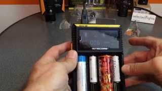 Nitecore Digicharger D4 Ladegerät für 4 Akkus Li-Ionen oder Ni-Mh- Digitalanzeige