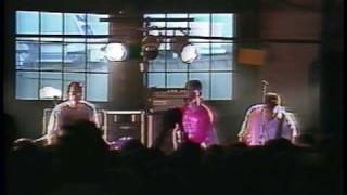 Big Black - 1987/08/09 - 01 - Fists Of Love (Georgetown Steamplant)