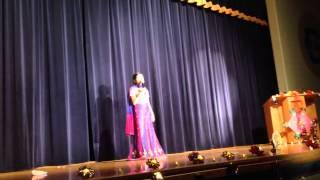 Shruti Sivaraman sings Chinna Chinna Aasai