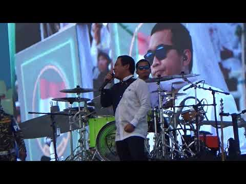Wali Band Di Hari SANTRI Nasional 2017 ( Gor Sidoarjo )