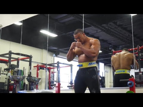 922-deadlift-and-behind-the-scenes-m-photoshoot