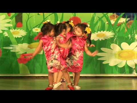 Múa - Đân Ca Trung Hoa - Lớp Chồi 2 - Trường Mầm Non Song Ngữ Tuổi Thơ - Quy Nhơn 2016
