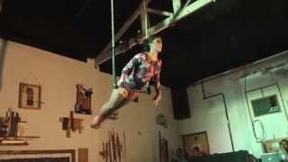 Mariana Zatz - Trapézio Fixo / Static Trapeze
