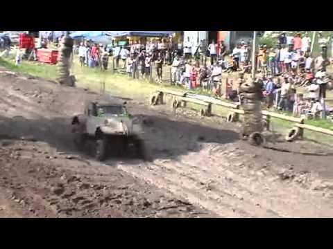 Tracteur 2cv 4x4 doovi for 4x4 dans la boue