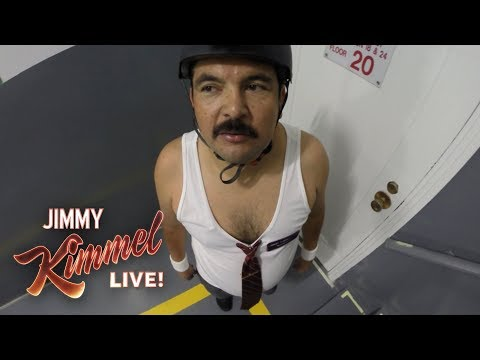 Guillermo Climbs the Empire State Building