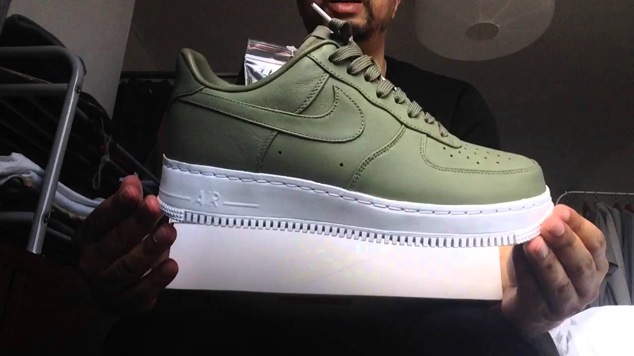 NIKE AIR FORCE ONE (1)