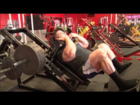 In the Trenches | Evan Centopani trains legs