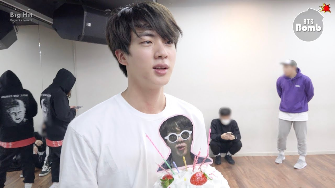 [BANGTAN BOMB] Sunglasses Jin's Surprise Birthday Party