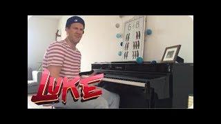 Schönen Sonntag! Luke Mockridge improvisiert am Klavier