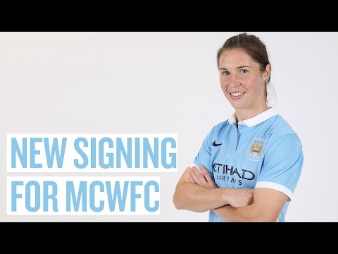 EXCLUSIVE: JANE ROSS SIGNS! | Meet MCWFC's new player
