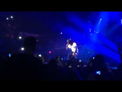 Lil Wayne - Coming on stage at I am still music tour 3/16/11 Providence, RI in HD