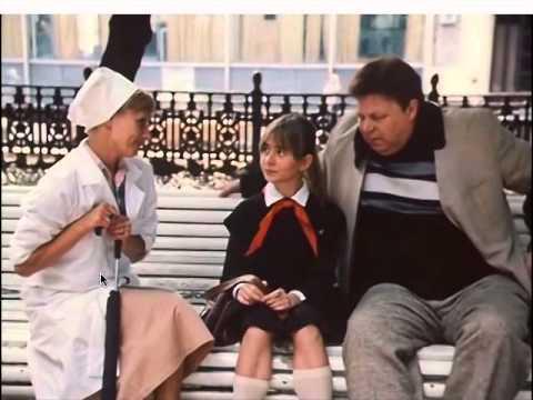 Доктор Иванова помогает Алисе