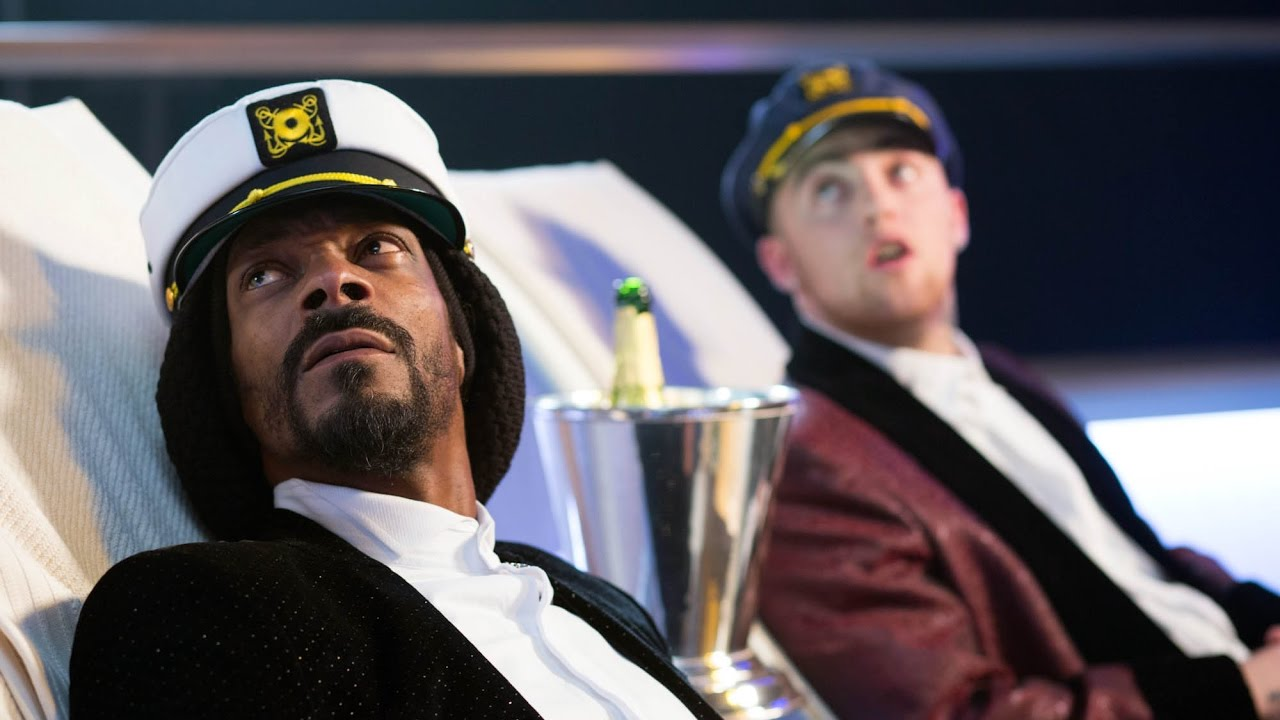 Hilarious Scene Featuring Snoop Dogg Mac Miller From Scary Movie 5 Youtube