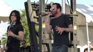 Scott Weiland & The Wildabouts - Way She Moves River City Rockfest San Antonio, Tx. 5/24/15