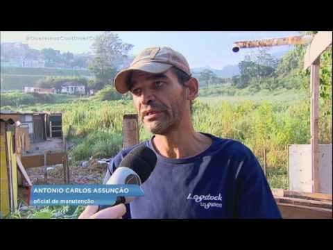 Homem que dormia com a família morre após deslizamento de terra