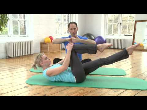 Single Leg Stretch Pilates Exercise from yoopod.com