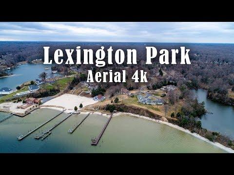A Christmas Day drone flight in Lexington Park, Maryland / Aerial 4k