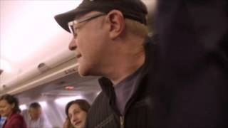 """Clinton and staff """"frozen"""" on plane"""