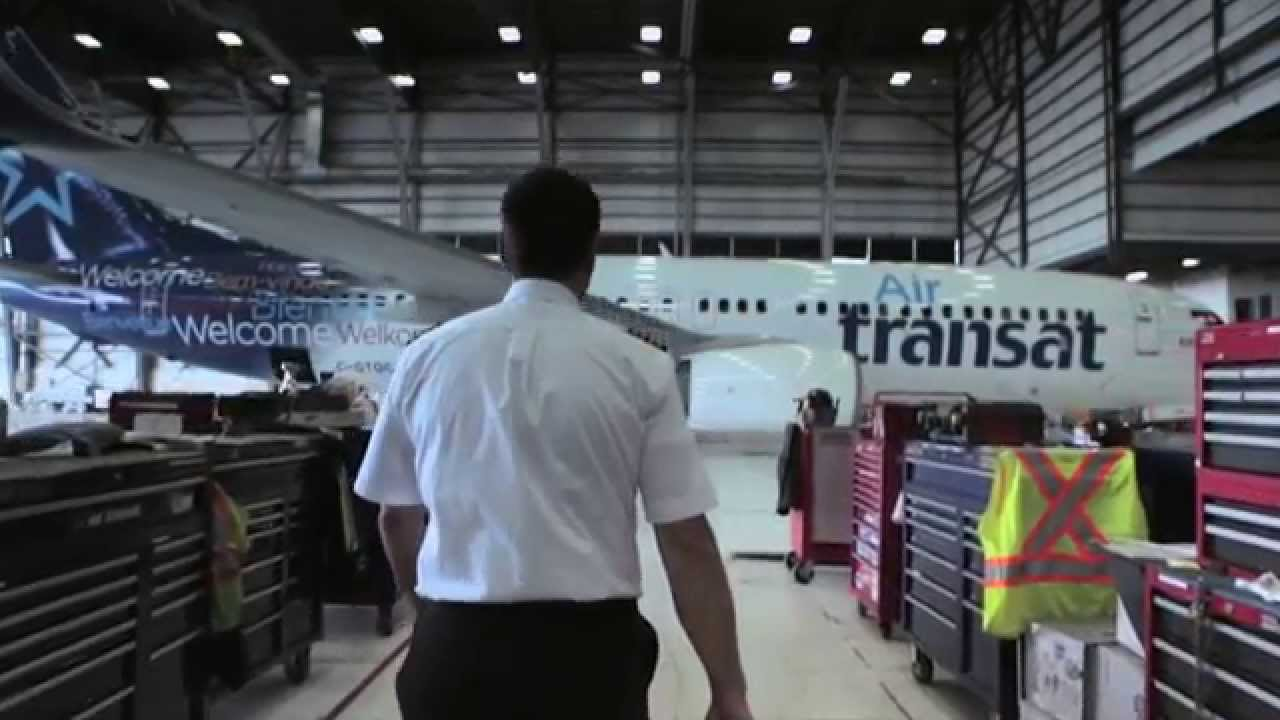 Air Transat New Boeing 737 Youtube
