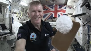 Tim Peake hosts science lesson from space