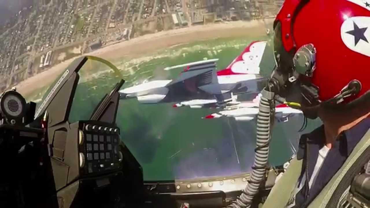 Fly Amongst The Solo Thunder Usaf Thunderbirds Youtube